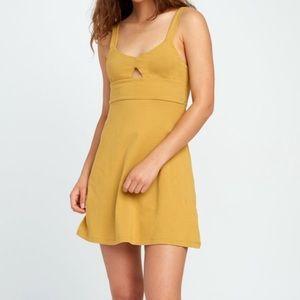NWT RVCA All Talk Dress Mustard Small